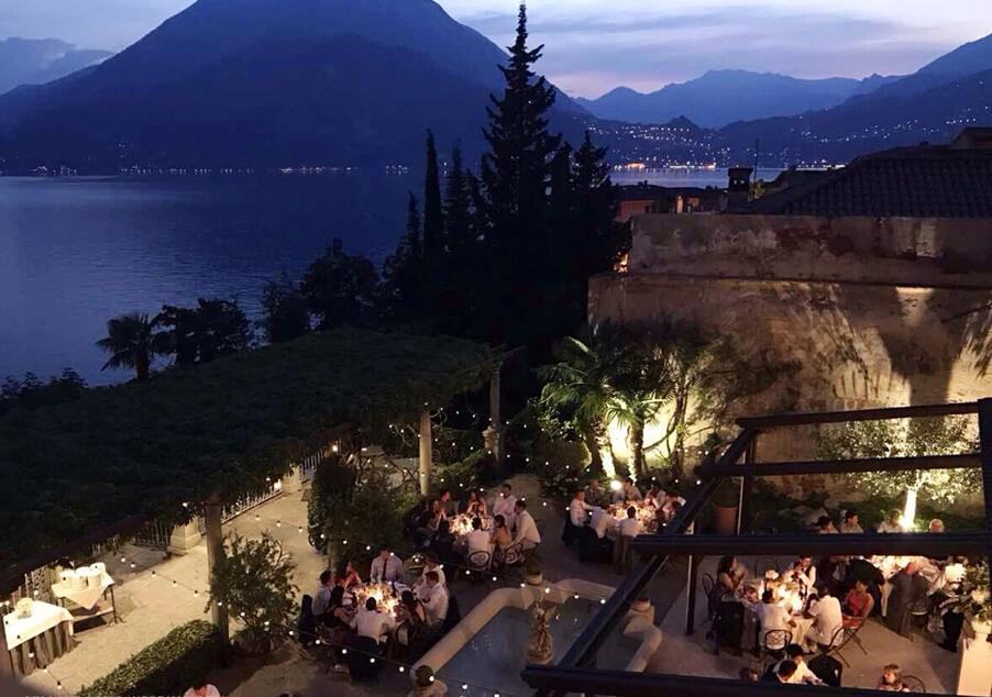 Lake-Como-Villa-Cipressi-outdoor-wedding-dining-courtyard-created-by-wedding-planner-My-Lake-Como-Wedding