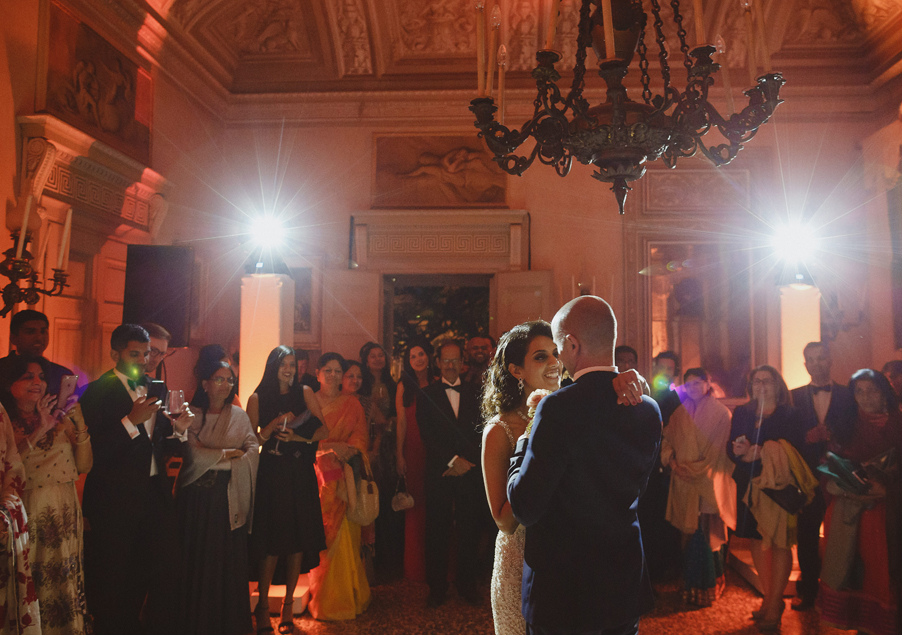 FIrst-dance-at-Villa-Pizzo-on-Lake-Como-by-My-Lake-Como-Wedding-planner