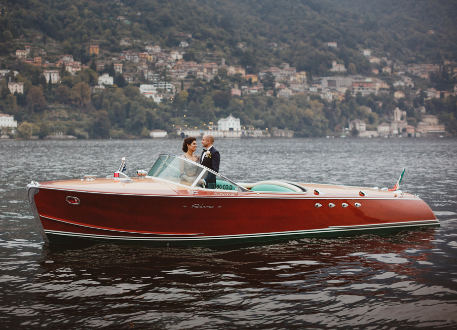 Italian-Riva-speed-boat-on-Lake-Como-used-by-wedding-planner-My-Lake-Como-Wedding
