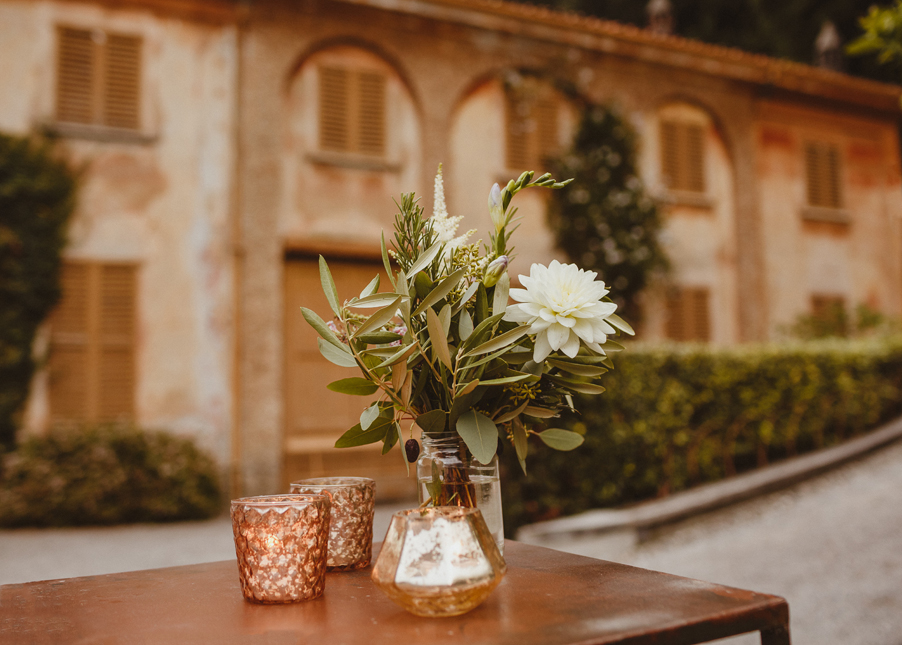 Villa-Pizzo-wedding-details-with-flowers-and-vases-by-My-Lake-Como-Wedding