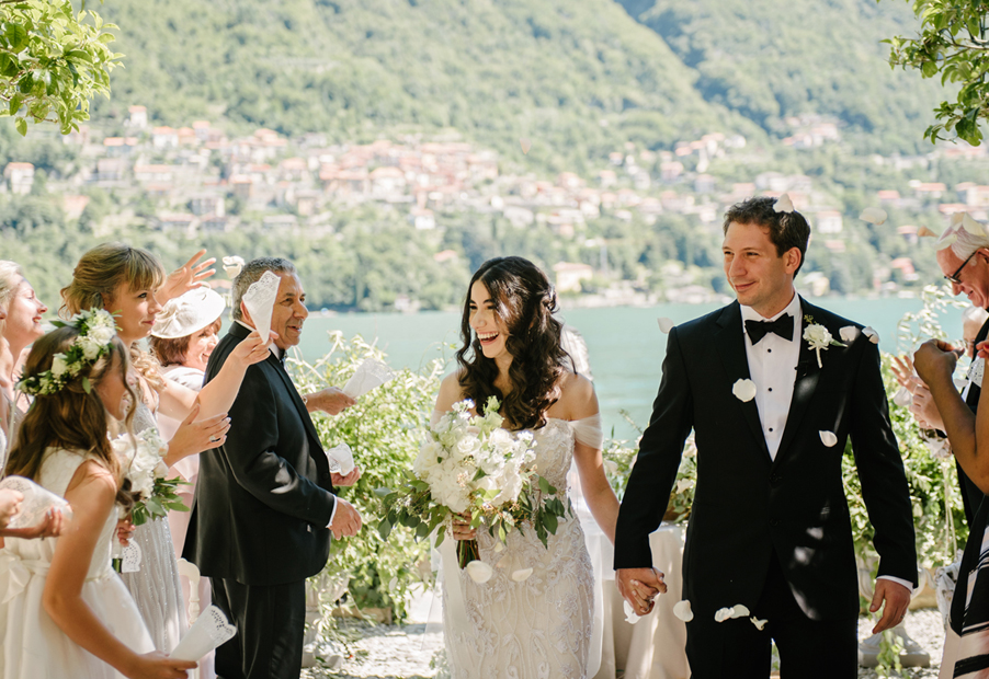 Bride-and-groom-confetti-picture-on-Lake-Como-wedding-planner-My-Lake-Como-Wedding