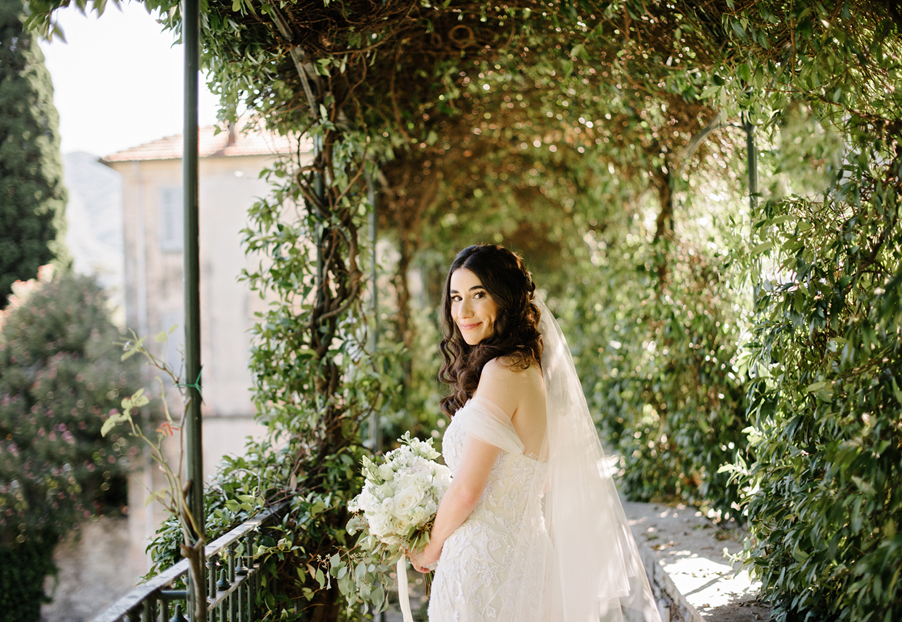 Bride-photography-at-Italian-villa-wedding-planner-Gemma-Aurelius-from-My-Lake-Como-Wedding