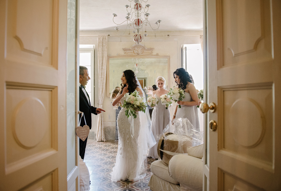Bride-with-her-father-in-the-bridal-suite-at-Villa-Regina-Teodolinda-wedding-by-My-Lake-Como-Wedding