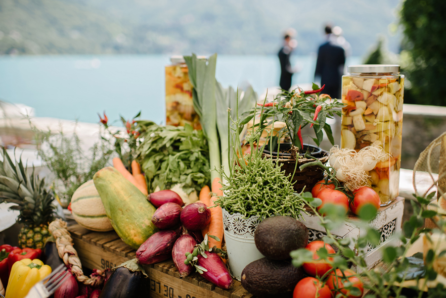 Italain-aperitivo-buffet-in-front-of-the-lake-at-Villa-Regina-Teodolinda-by-wedding-planner-My-Lake-Como-Wedding