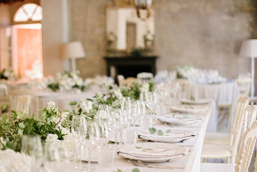 Rustic-and-elegant-wedding-dining-at-an-Italian-Lake-Como-villa-by-wedding-planner-My-Lake-Como-Wedding
