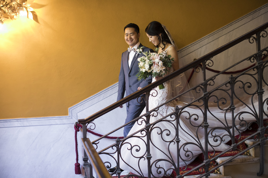 Bride-and-groom-on-photoshoot-on-Lake-Como-at-Grand-Hotel-Tremezzo