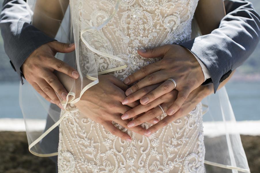 Wedding-rings-photography-shoot-on-Lake-Como