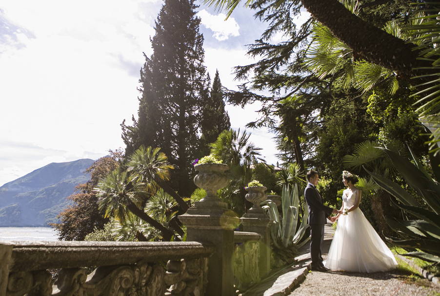 Bride-and-groom-in-the-botanical-garden-at-Villa-Monastero-Lake-Como
