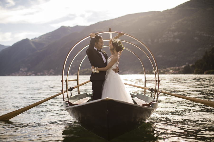 Bride-and-groom-on-a-Lake-Como-lucia-row-boat-on-Lake-Como-photoshoot-arranged-by-wedding-planner-My-Lake-Como-Wedding