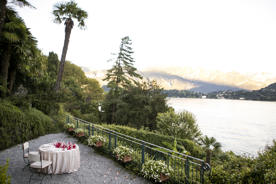 Intimate-dining-area-at-Grand-Hotel-Tremezzo-for-romantic-dinner-arranged-by-My-Lake-Como-Wedding