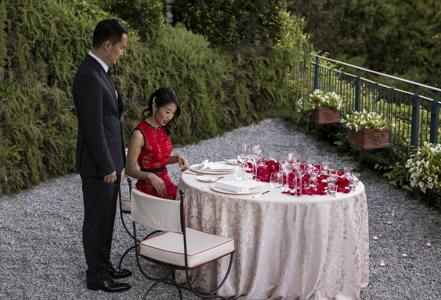 Intimate-wedding-dinner-for-two-people-on-Lake-Como-arranged-at-Grand-Hotel-Tremezzo-by-My-Lake-Como-Wedding