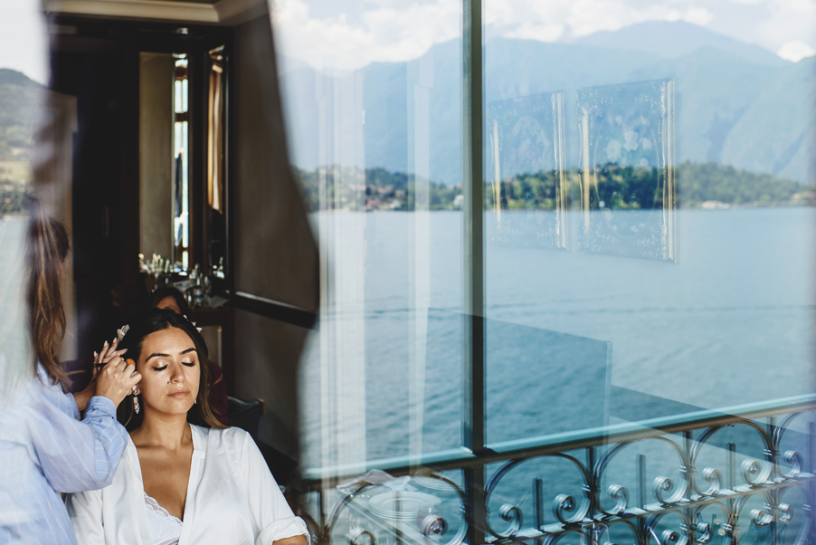 Bride-getting-ready-for-her-wedding-at-Grand-Hotel-Tremezzo-wedding-planner-My-Lakw-Como-Wedding