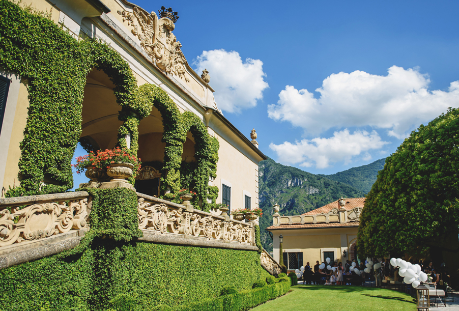 Aperitivo-terrace-at-Villa-Balbianello-sunny-wedding-on-Lake-Como