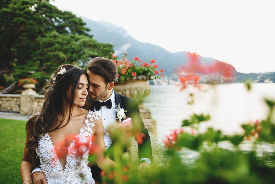 Bride-and-groom-in-gardens-on-wedding-day-at-Villa-Balbianello-by-wedding-planner-My-Lake-Como-Wedding