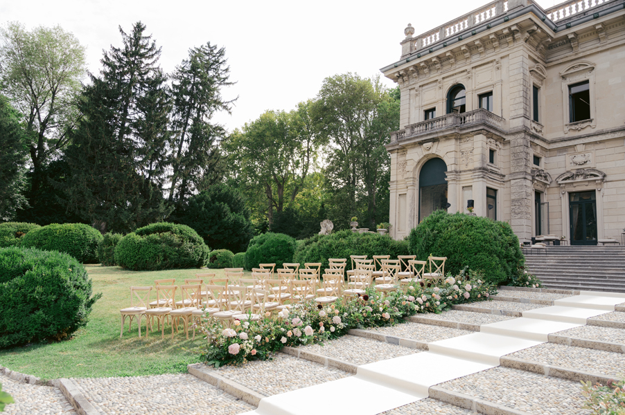 Ceremony-chair-decoration-for-wedding-on-Lake-Como-by-My-Lake-Como-Wedding