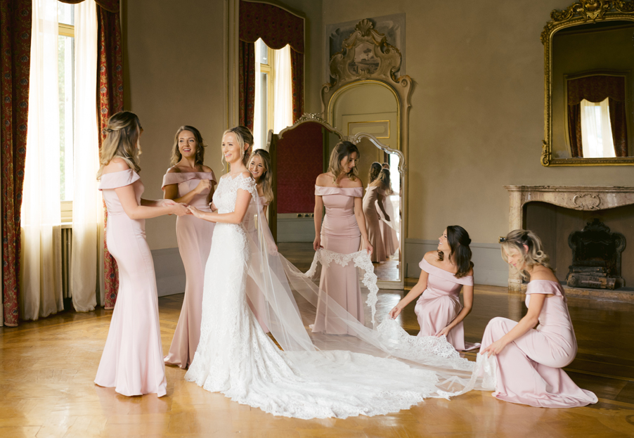 Bride-and-bridesmaids-getting-ready-at-Villa-dEste-by-wedding-planner-My-Lake-Como-Wedding