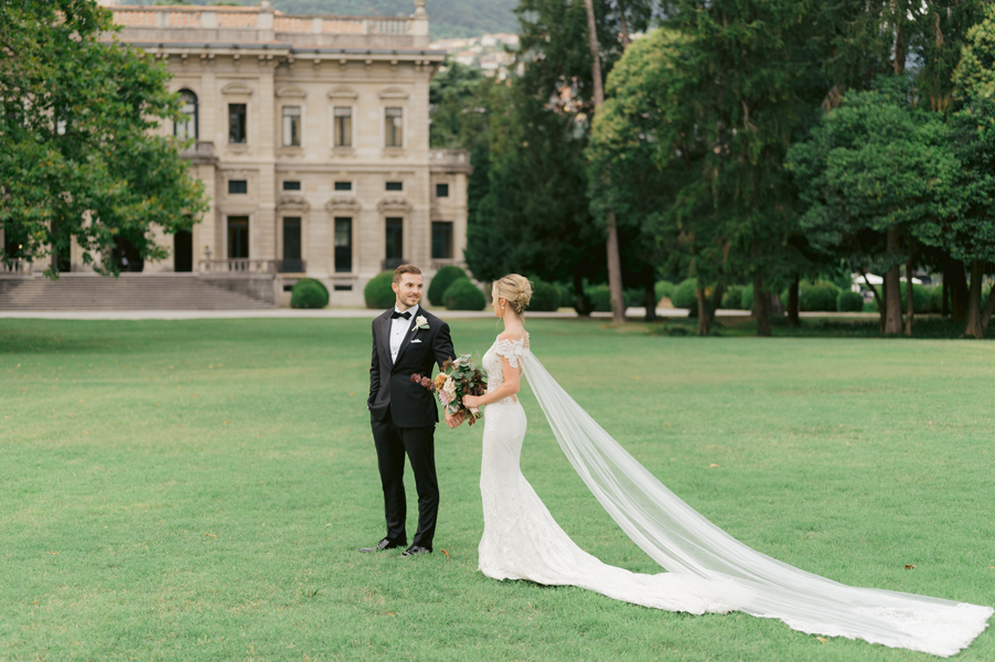 Bride-and-groom-in-the-gardens-of-Villa-Erba-wedding-planner-My-Lake-Como-Wedding