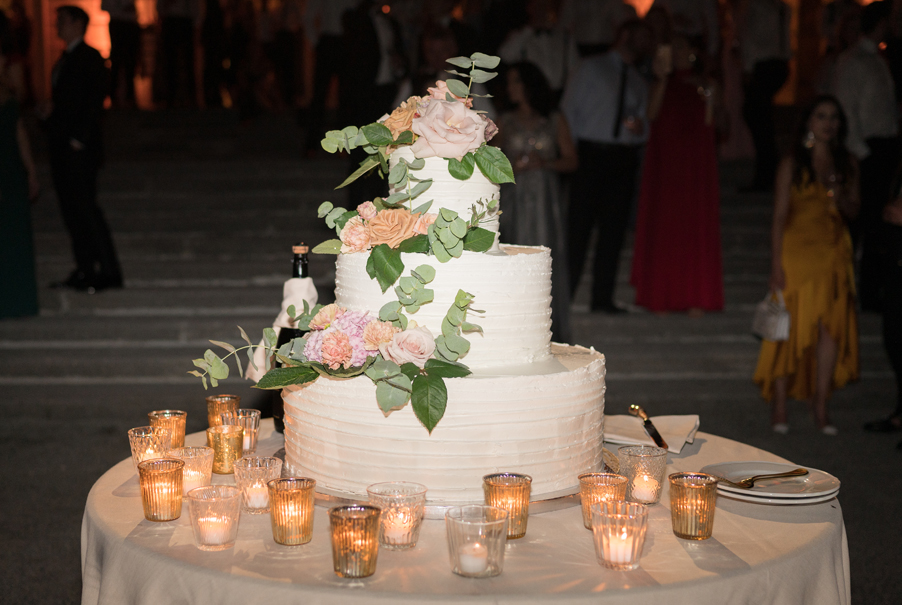 Wedding-cake-at-Villa-Erba-by-wedding-planner-My-Lake-Como-Wedding