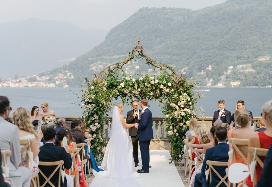 Wedding-taking-place-at-Villa-Pizzo-on-Lake-Como-by-wedding-planner-My-Lake-Como-Wedding